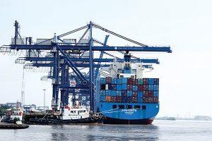 Chi tiêu cho hàng nhập từ Trung Quốc hơn 9 tỉ đô la, tăng 64% trong tháng đầu năm