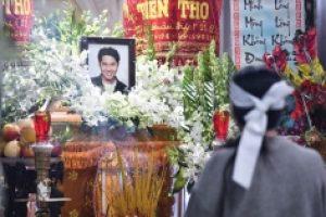 Ảnh: Bạn gái cùng gia đình lo hậu sự cho diễn viên Hải Đăng