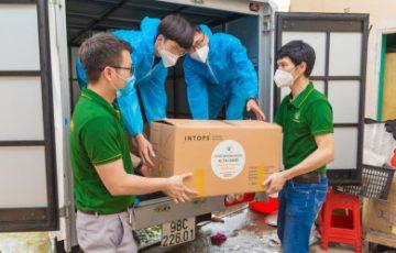 Công ty Altai Sibiri nấu 7.500 suất cháo nhung hươutiếp sức cho 2.000 y bác sĩ ở Bắc Giang