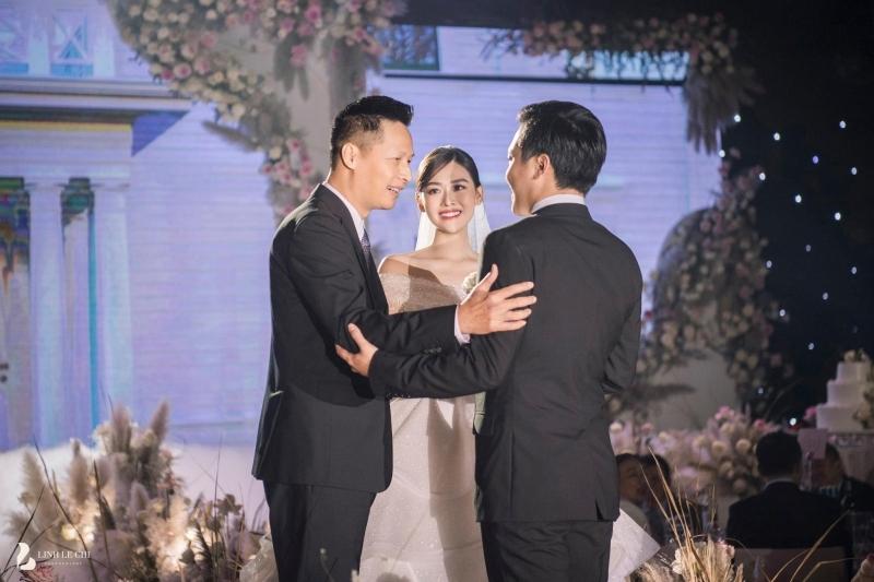 Giải trí - Sau đám cưới bạc tỷ, chồng Á hậu Tường San vẫn là một ẩn số (Hình 2).